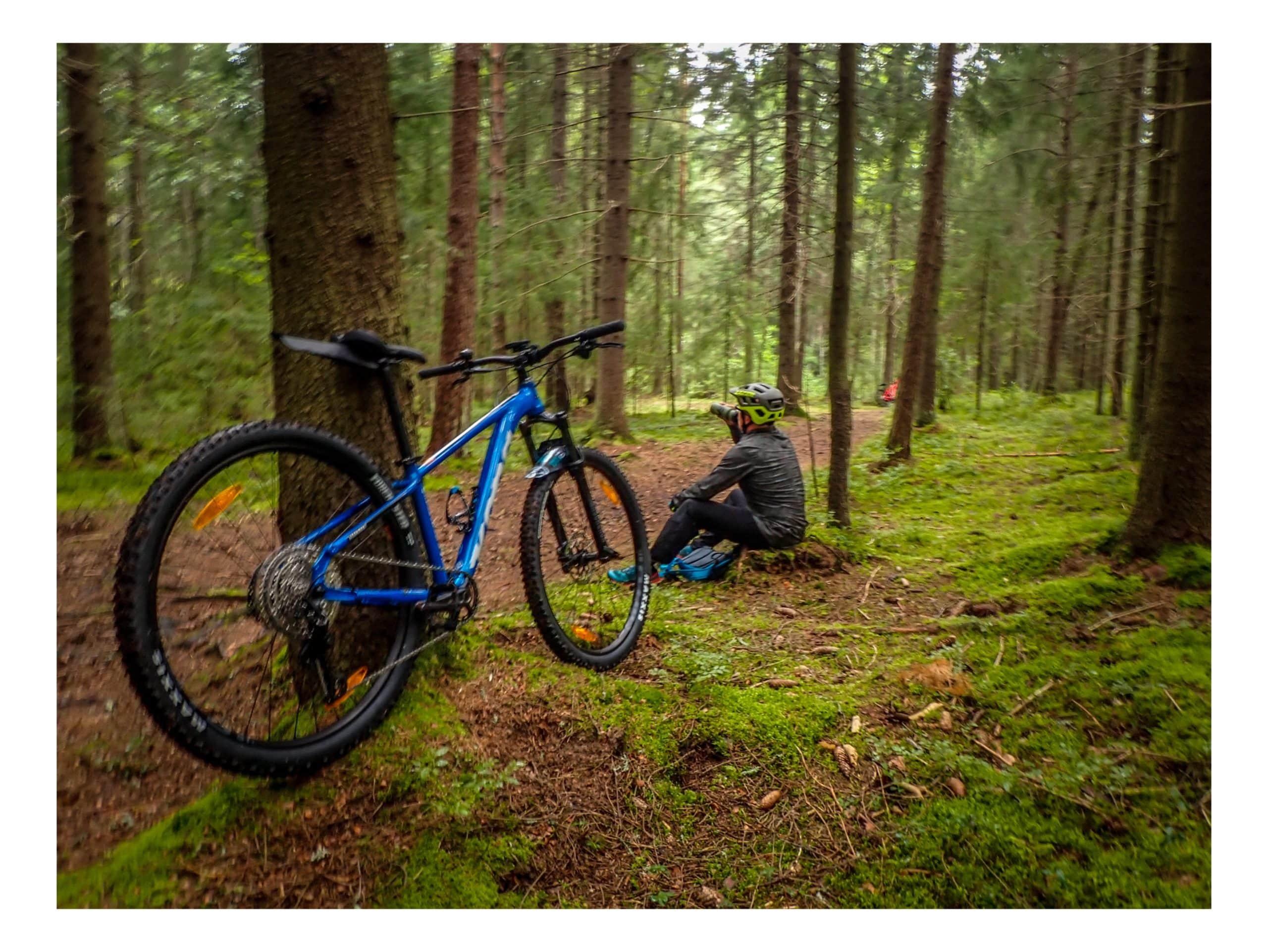 Maastopyöräily ja ajovarusteet joilla pääsee alkuun