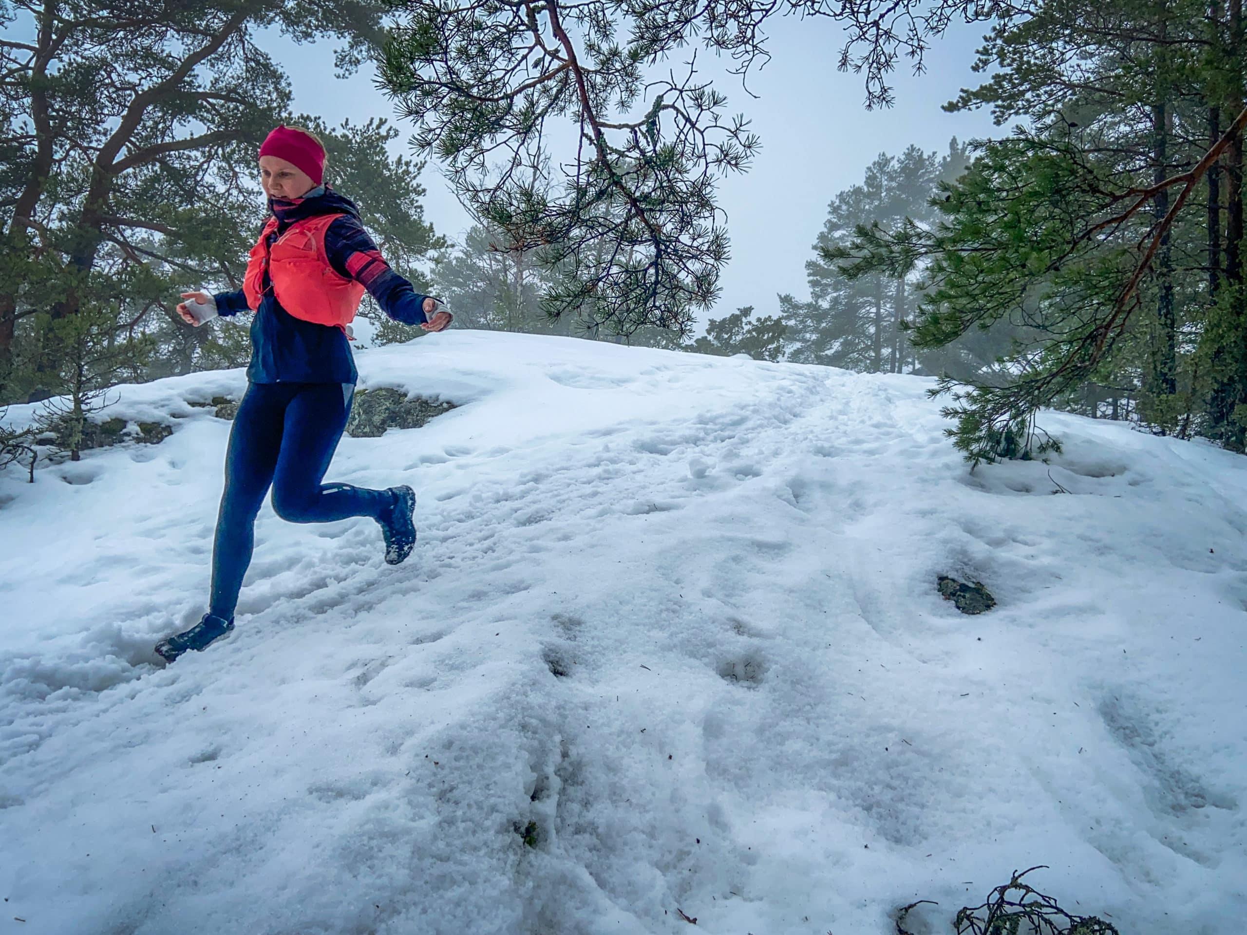 Talvijuoksu kelissä kuin kelissä – nastoilla vai ilman?