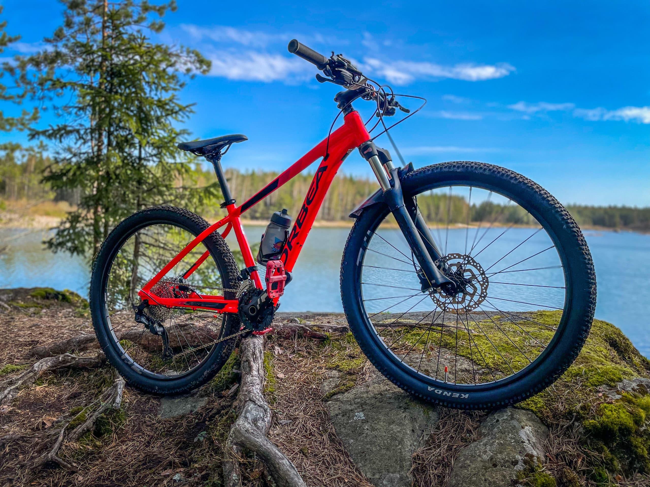 Poluilla kahdella renkaalla – maastopyöräily heräsi henkiin